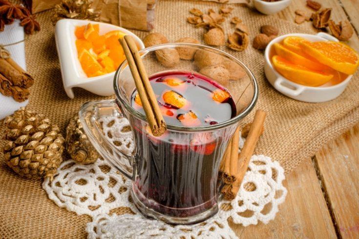 a glass of Glogg with cinnamon stick