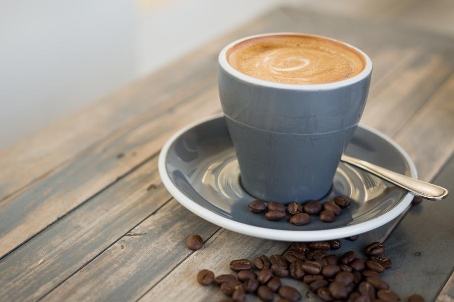 a flat white coffee espresso drink